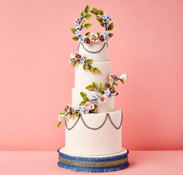 2016-wedding-cake-trends-floral-garlands-1