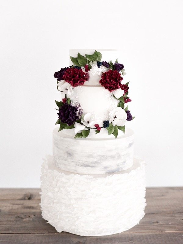 2016-wedding-cake-trends-floral-garlands-5