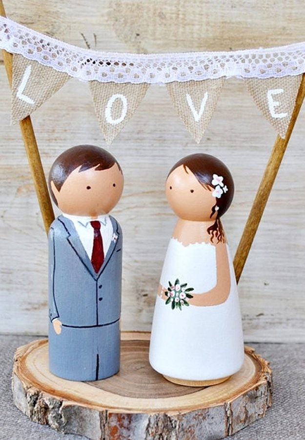 10-cool-unique-fun-wedding-cake-toppers0