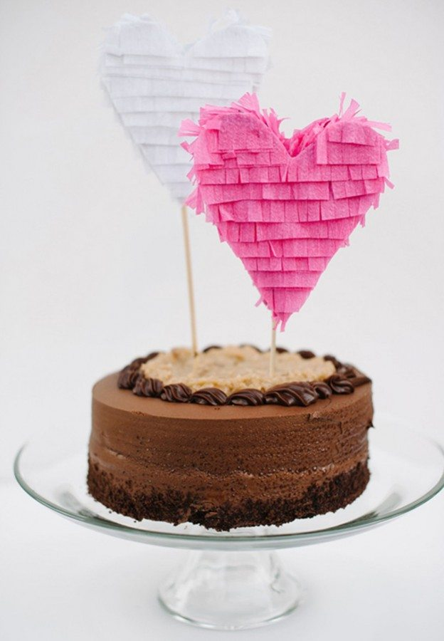 10-cool-unique-fun-wedding-cake-toppers7