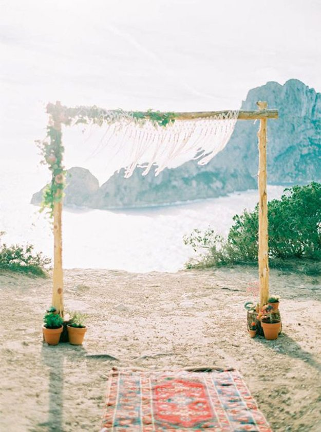 10-great-ways-infuse-wedding-cacti-ceremony-arch
