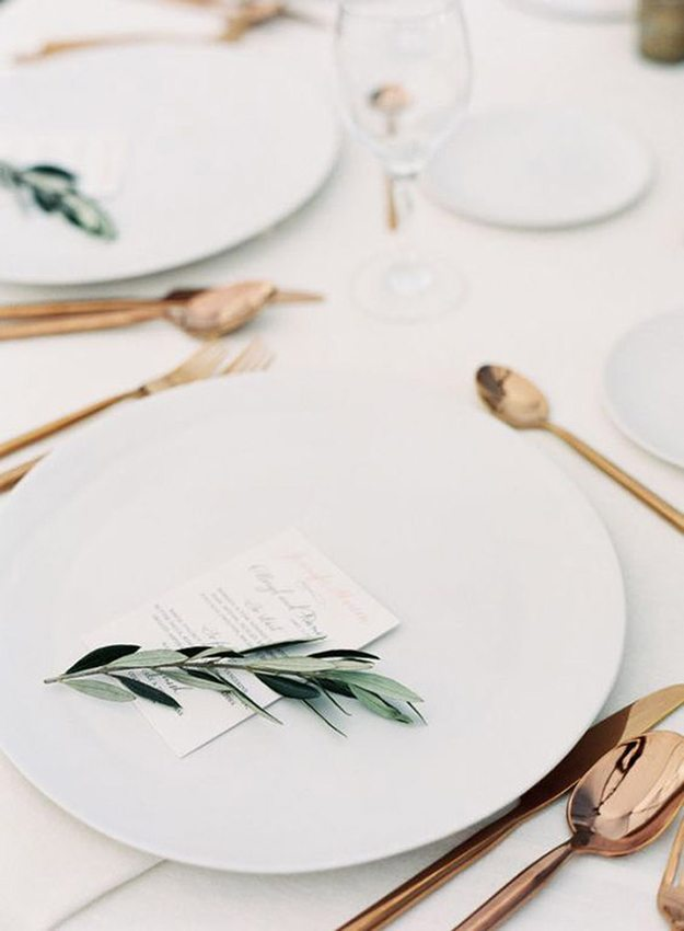 top_10-minimalist-tablescapes-urban-wedding-5